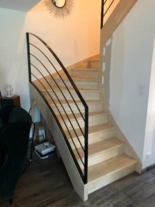 Création-et-rénovation-descaliers-dans-tout-le-Finistère-225x300