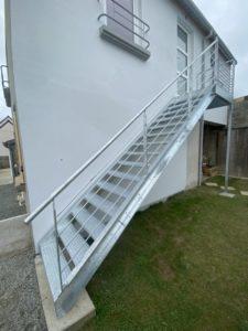 Escalier-galavanise-Plouescat-225x300