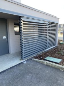 Porte-coulissante-aluminium-Plouescat-2-225x300